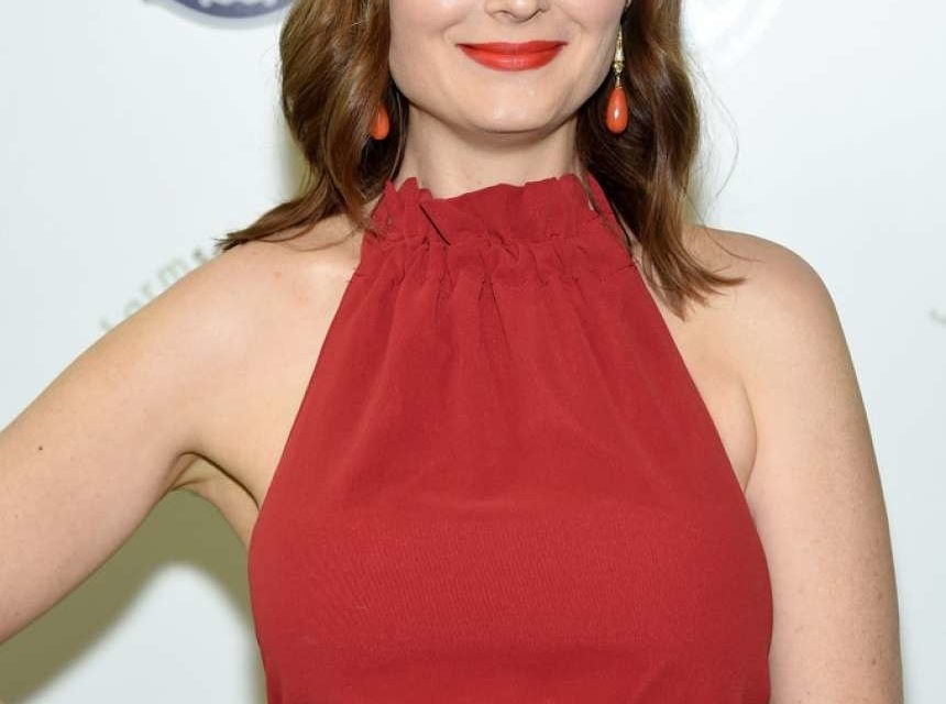 Health: Actress Emily Deschanel's Revelation On New Podcast 'Switch4Good'