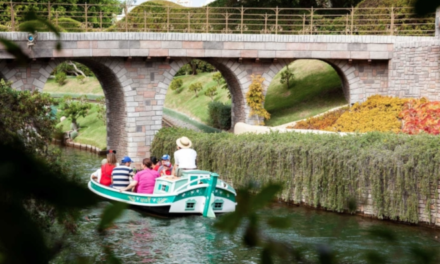 Disneyland: Disneyland Storybook Land boat takes on water, prompting evacuation of ride