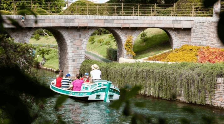 Disneyland: Disneyland Storybook Land boat takes on water, prompting evacuation of ride